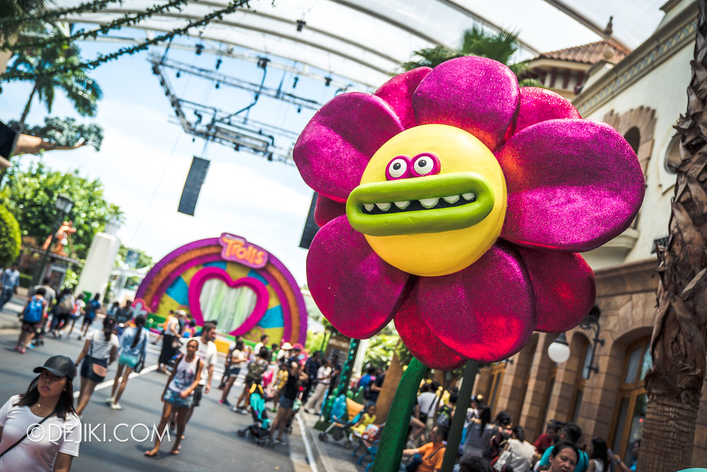Universal Studios Singapore Park Update March 2018 TrollsTopia event - flower spots