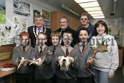 The Green Machine visits Daisy Hill Woodlands, pupils from St Colmans Abbey PS, Mayor Micheal Carr, Cllr Anthony Williamson, Stephen Mallon,( Conservations volunteers NI}, Madelen Keeley,(Groundwork NI) 07W6N23