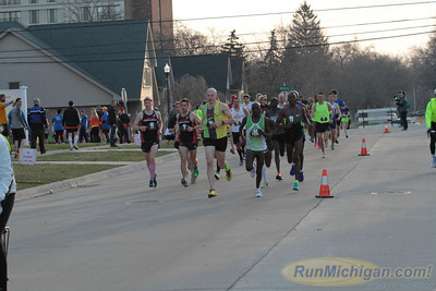 5K and 10K Start Gallery 2 - 2014 Martian Invasion of Races