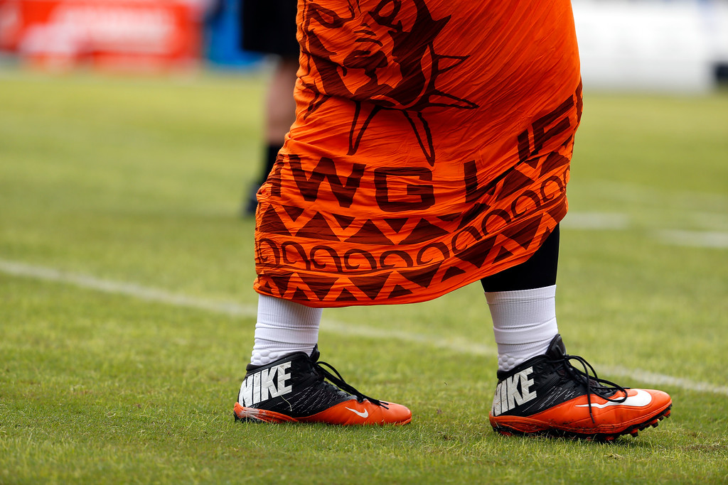 . Cleveland Browns nose tackle Danny Shelton (55) walks on the field during warm ups before an NFL football game against the Washington Redskins Sunday, Oct. 2, 2016, in Landover, Md. (AP Photo/Carolyn Kaster)
