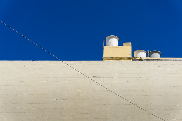 CLEAN LINES OF MALTA: GOZO MINIMAL