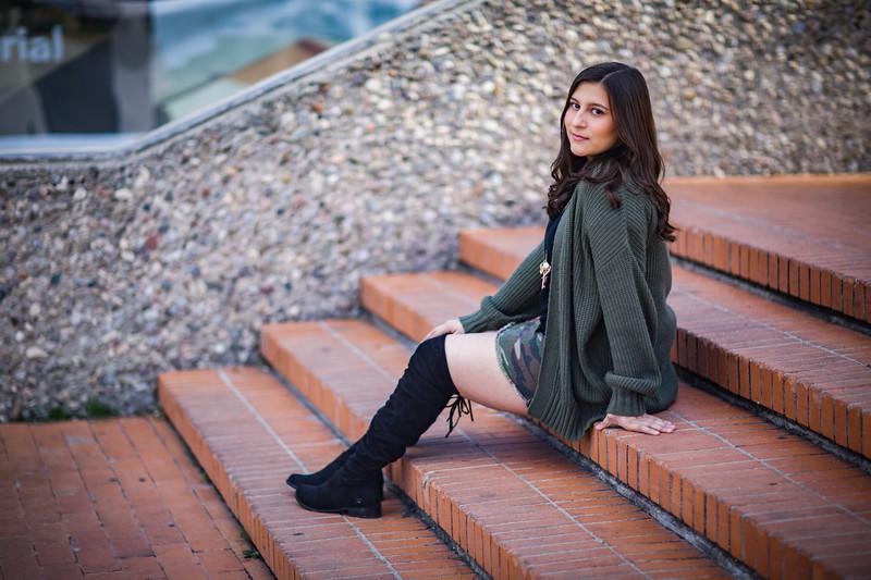Julie's Senior Pictures - 0046 of 0089 - ID 9317.jpg
