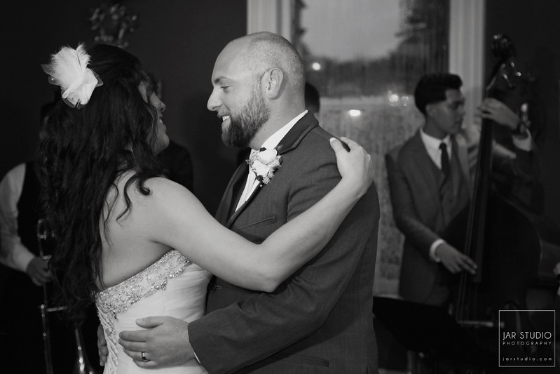 25-dr-phillips-house-wedding-first-dance-jarstudio-photography.JPG