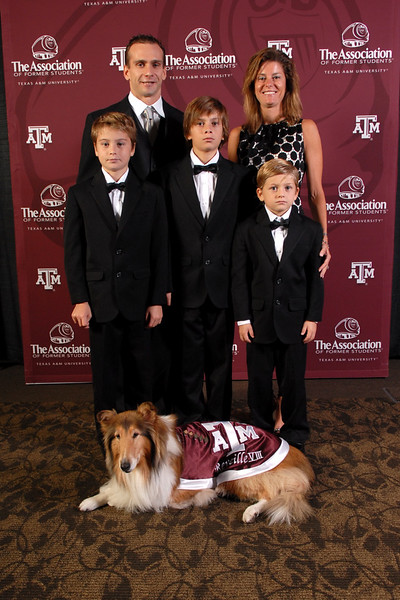 2011 Distinguished Alumni Gala - Photos with Reveille