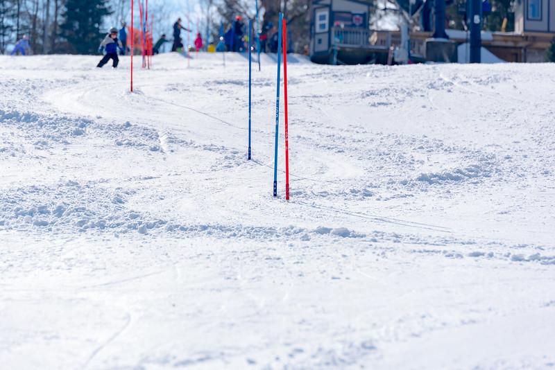 Standard-Race_2-3-18_Snow-Trails-73417.jpg