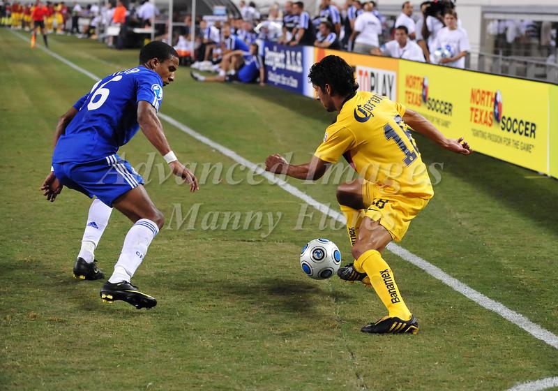 July 26 2009 World Football Challenge - Chelsea FC v Club America: #18 Angel Reyna of CA in action at the Cowboys Stadium in Arlington, Texas.Chelsa FC beats Club America 2-0.