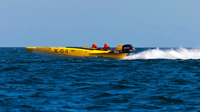 Tävlingsbåtar