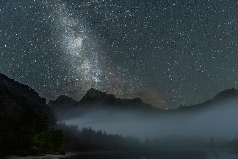 Milchstraße über Totoem Gebirge