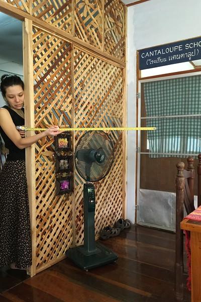 Measuring for Yada-proof kitchen door ...