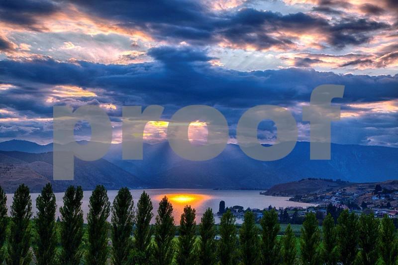 Lake Chelan sunset  9591_HDR.jpg