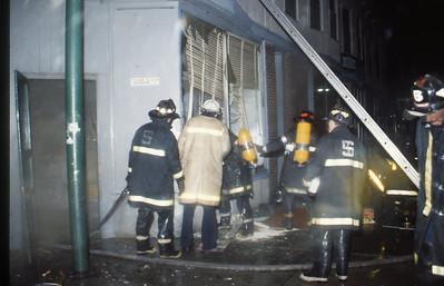 11/2/1979 - SOMERVILLE, MASS - WORKING FIRE 99 HOLLAND ST