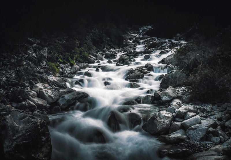 Waterfalldark-.jpg