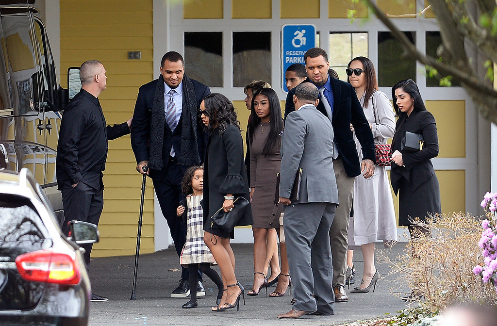. Shayanna Jenkins Hernandez, front, fiancee of former New England Patriots tight end Aaron Hernandez, arrives with their daughter Avielle Janelle Hernandez, Pittsburgh Steeler Center Maurkice Pouncey and his twin brother Mike, and others for a private service for Aaron Hernandez at O\'Brien Funeral Home, Monday, April 24, 2017, in Bristol, Conn. The former New England Patriots tight end was found hanged in his cell in a maximum-security prison in Massachusetts on Wednesday. (AP Photo/Jessica Hill)