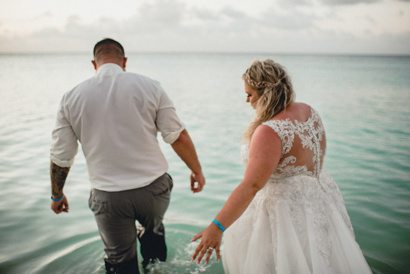 Requiem Images - Aruba Riu Palace Caribbean - Luxury Destination Wedding Photographer - Day after - Megan Aaron -15.jpg