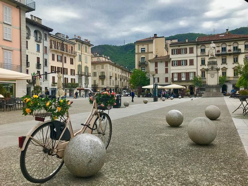 Piazza Alessandro Volta - Como, Italy