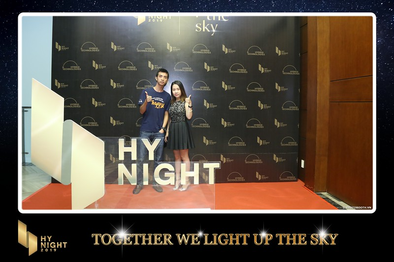 Buzz-Comm-Year-End-Party-instant-print-photo-booth-at-New-World-Saigon-Chup-hinh-lay-lien-Tat-nien-WefieBox-Photobooth-Vietnam-074.jpg