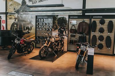 ago.27 - Triumph - Fotos da Entrega das Motos a ROTAM