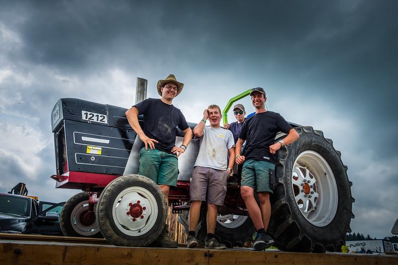 Tractor Pulling 2015 XE2-2479.jpg