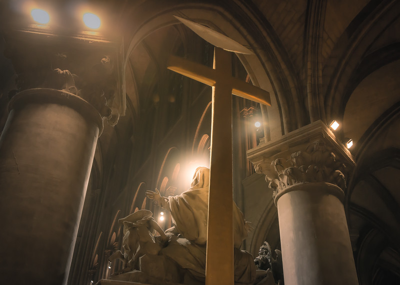 quiet-reflection-at-notre-dame-small.jpg