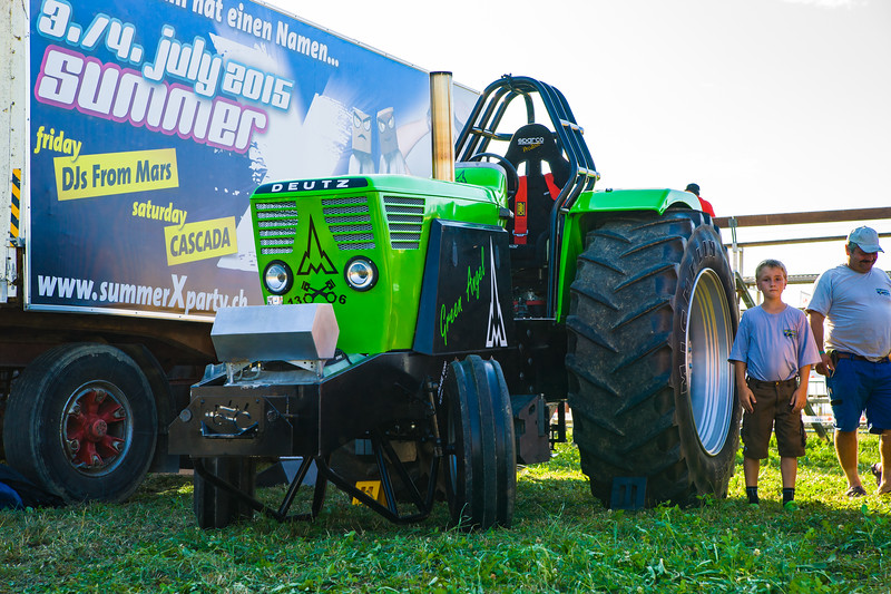 Tractor Pulling 2015-01590.jpg