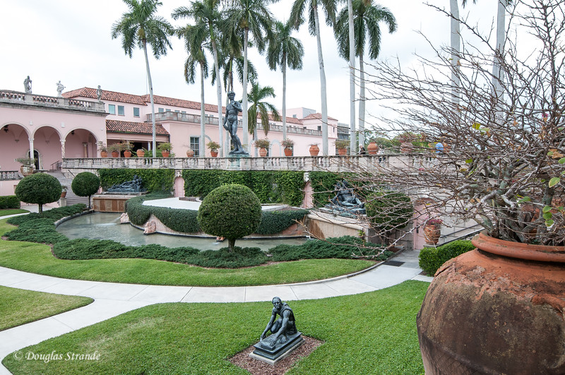 Courtyard outside the Ringling art museum