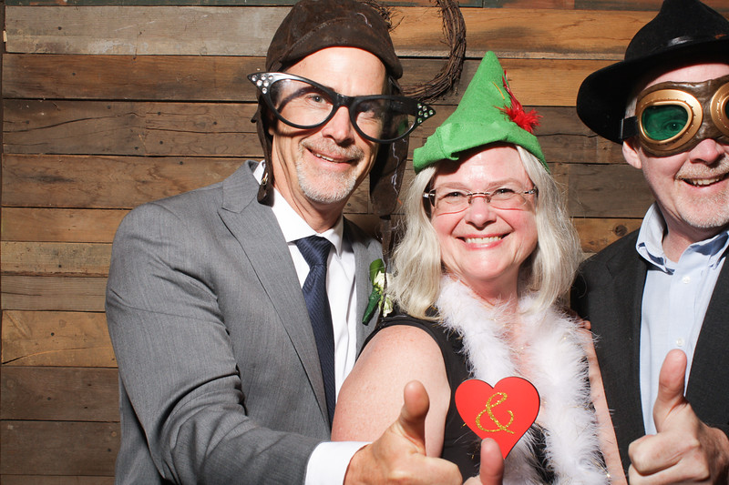 AmyAdamWeddingPhotobooth-0115.jpg