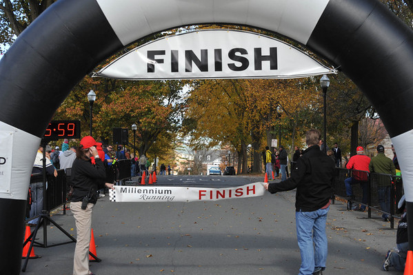 FINISH - 5K + Some Walkers 2013-10-20