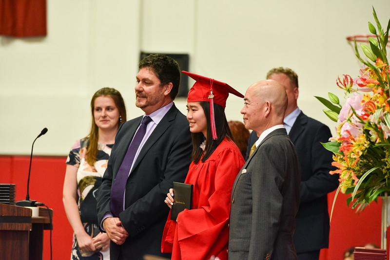 Senior -Graduation-DSC_5638-2018-19.jpg
