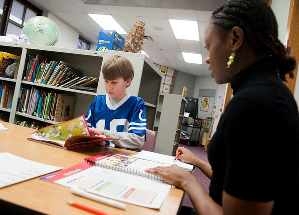 Van Duyn Elementary reading