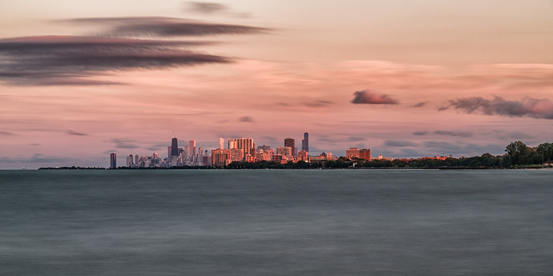 Hello #Chicago that's a mighty fine sunset you're sharing. || #travel #photography #wanderlust • • • • • • #ArtOfChi #chitecture #igerschicago #URBANROMANTIX #CBView #cityscapes #mychicagopix #insta_chicago #lake #bestvacations #discoverearth #earthpix #neverstopexploring #sunsets #sunsetlovers #sunsetporn #sunset #red #orange #pink #sky #skyporn #clouds #horizon #all_sunsets #lakemichigan @insta_chicago