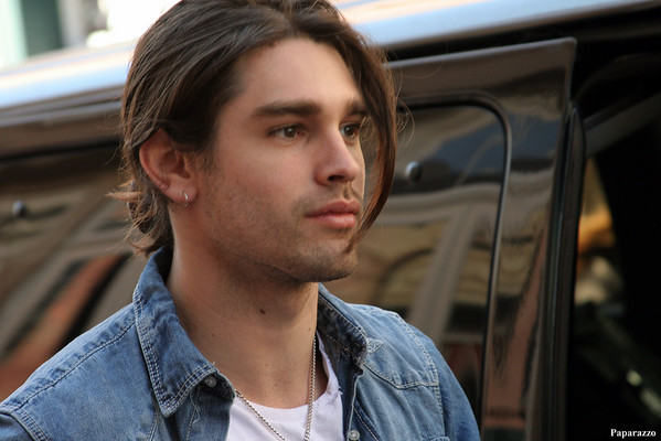 "Justin Gaston & The ""If I Can Dream"" Cast"