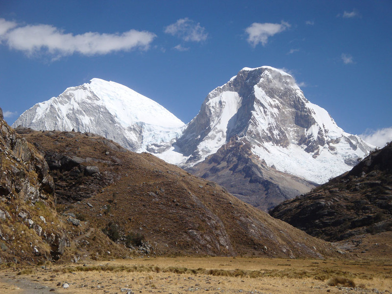 And here are the South (L) and North (R) summits of Mt Huascaran. Rising to 6768 m, the South summit is highest, and is, I think, the highest mountain in the world outside of the Himalayas. My trailhead is below the mountain.