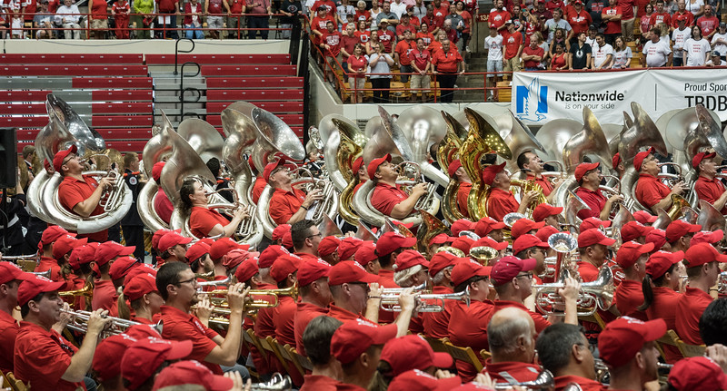 """The sound of the campus chimes before """"Carmen Ohio"""""""