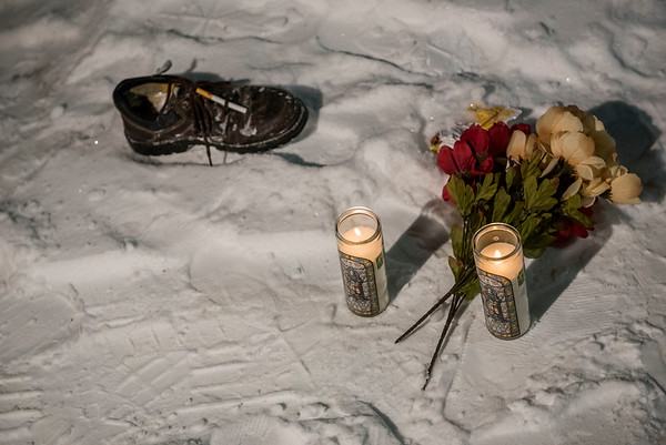 DAVID LIPNOWSKI / WINNIPEG FREE PRESS  The vigil for Tyler Smoke in the back alley of Victor Street where he was murdered on Christmas Day, held Thursday December 27, 2018.