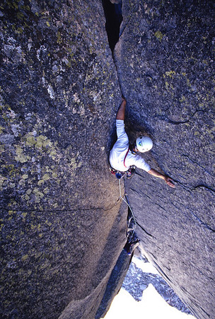 080111 Climbing Mag - Finger of Fate