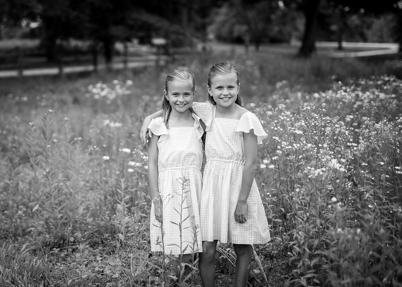 Girls in Tall Grass bw (6 of 6).jpg