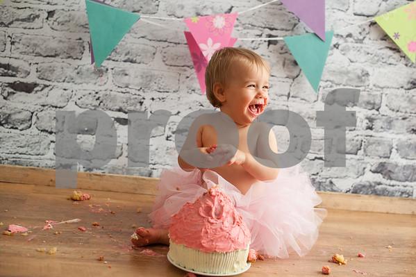 Charlotte cake smash