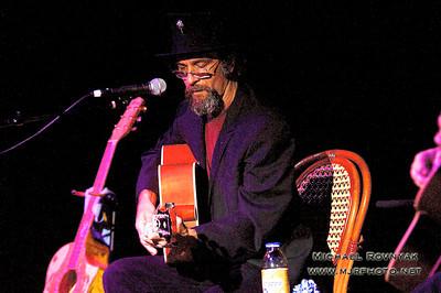 Earl Kayoss at at 89 North Music Venue 07.26.13 Photos