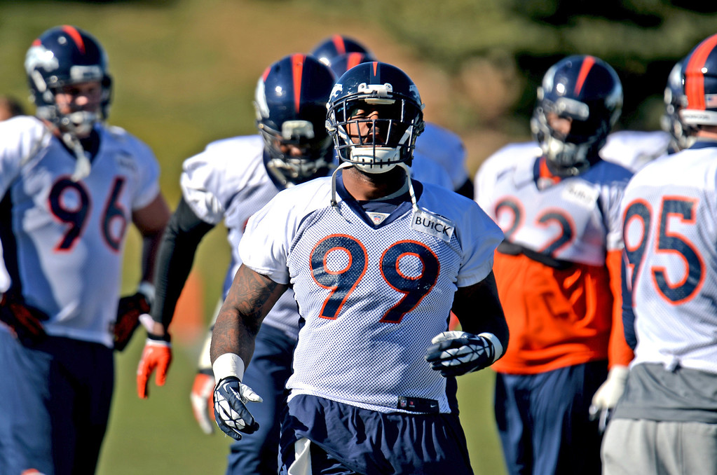 . Denver Broncos Kevin Vickerson (99)  warming up for the team practice at Dove Valley practice field, Englewood, Colorado, November 15, 2013. (Photo by Hyoung Chang/The Denver Post)