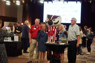 2019 UWL Garding Against Cancer Bucky Badger Stryker Eagle