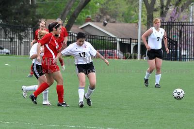 2010 SHHS Soccer 04-16 090