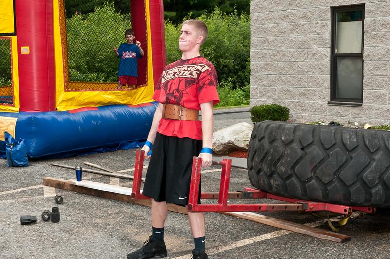 Fitness Revolution Strongman Challenge 2011_ERF3840.jpg