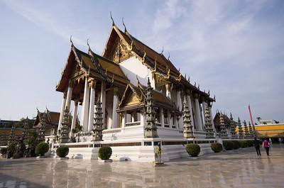 Wat Suthat Principal Wihan