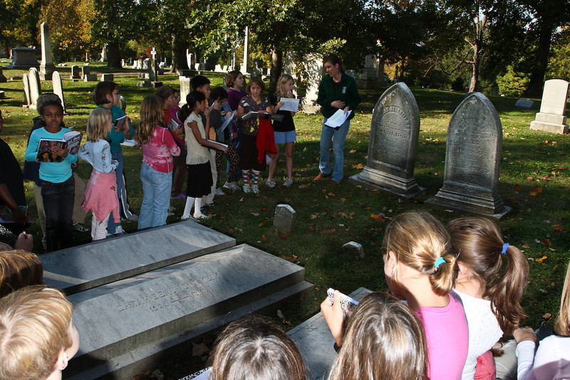 4th Grade Bellefontaine Cemetery Field Trip