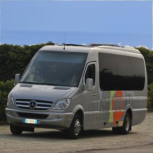 618130-bus-10-seats