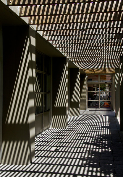 More stripes from the sun -in a passageway at the Sutherland Gallery near Sydney. More interesting than the exhibition itself? (3)