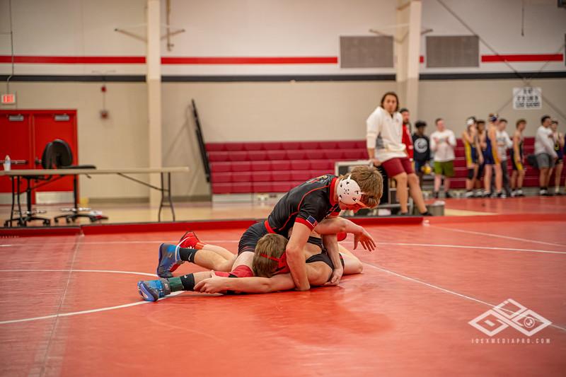 Wrestling at Granite City-09038.jpg