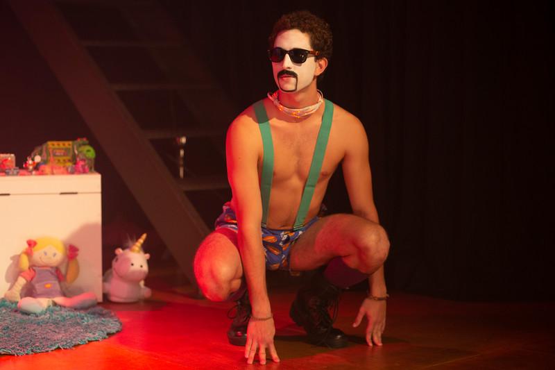 Allan Bravos - essenCIA Teatro - Persona 07-493.jpg