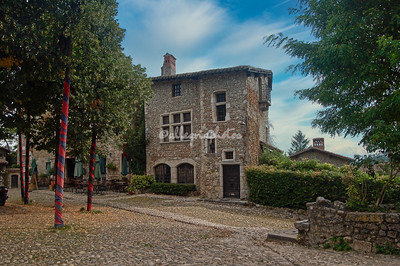 Perrouges, France