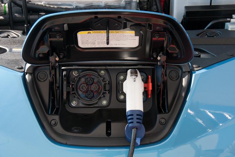 NissanLeaf-028.jpg